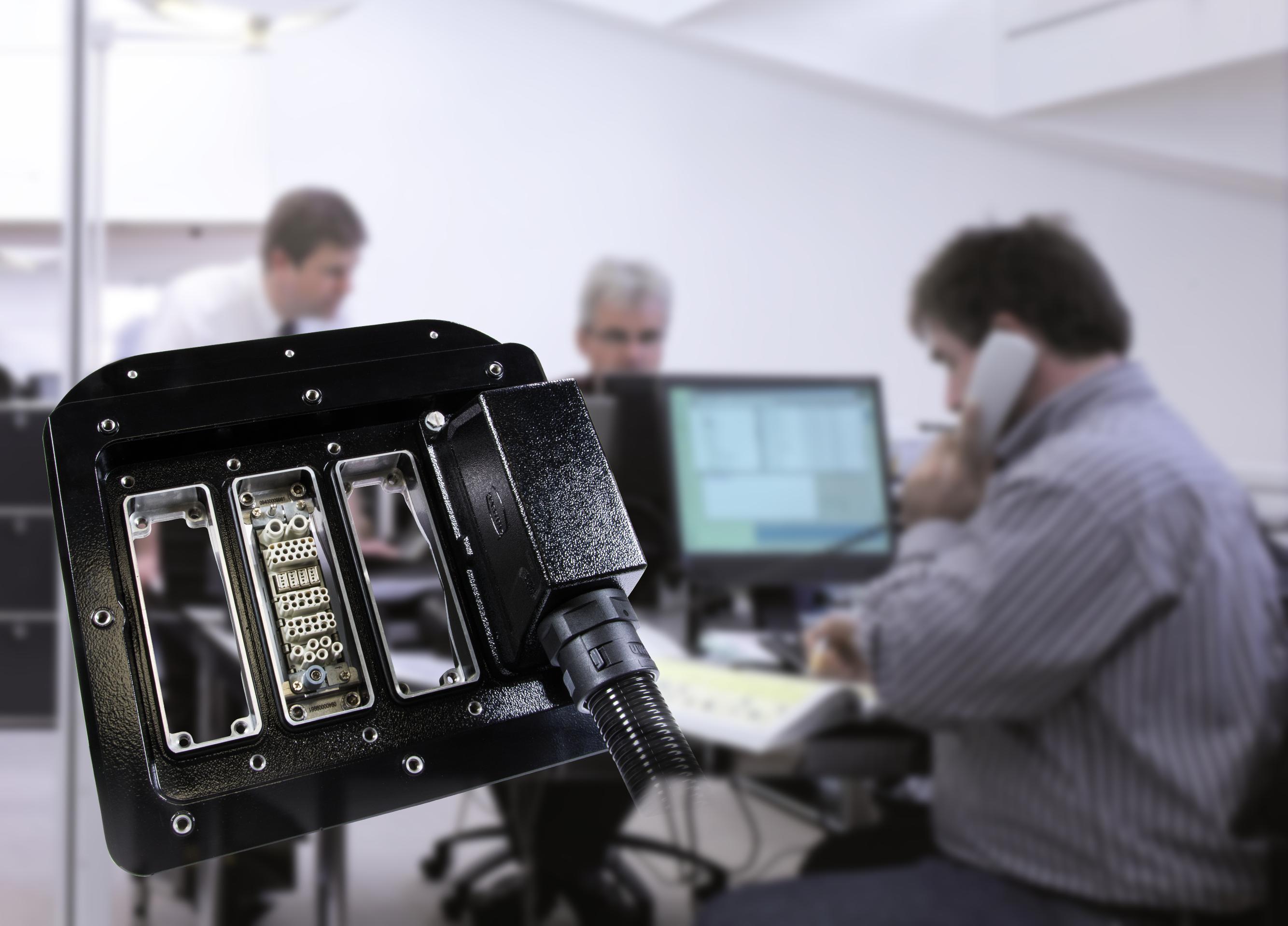 Ihr Partner für Wagenübergangslösungen | HARTING Technology Group