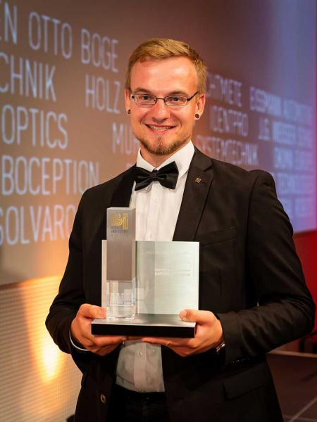 Jonas Diekmann mit Best of Industry Award